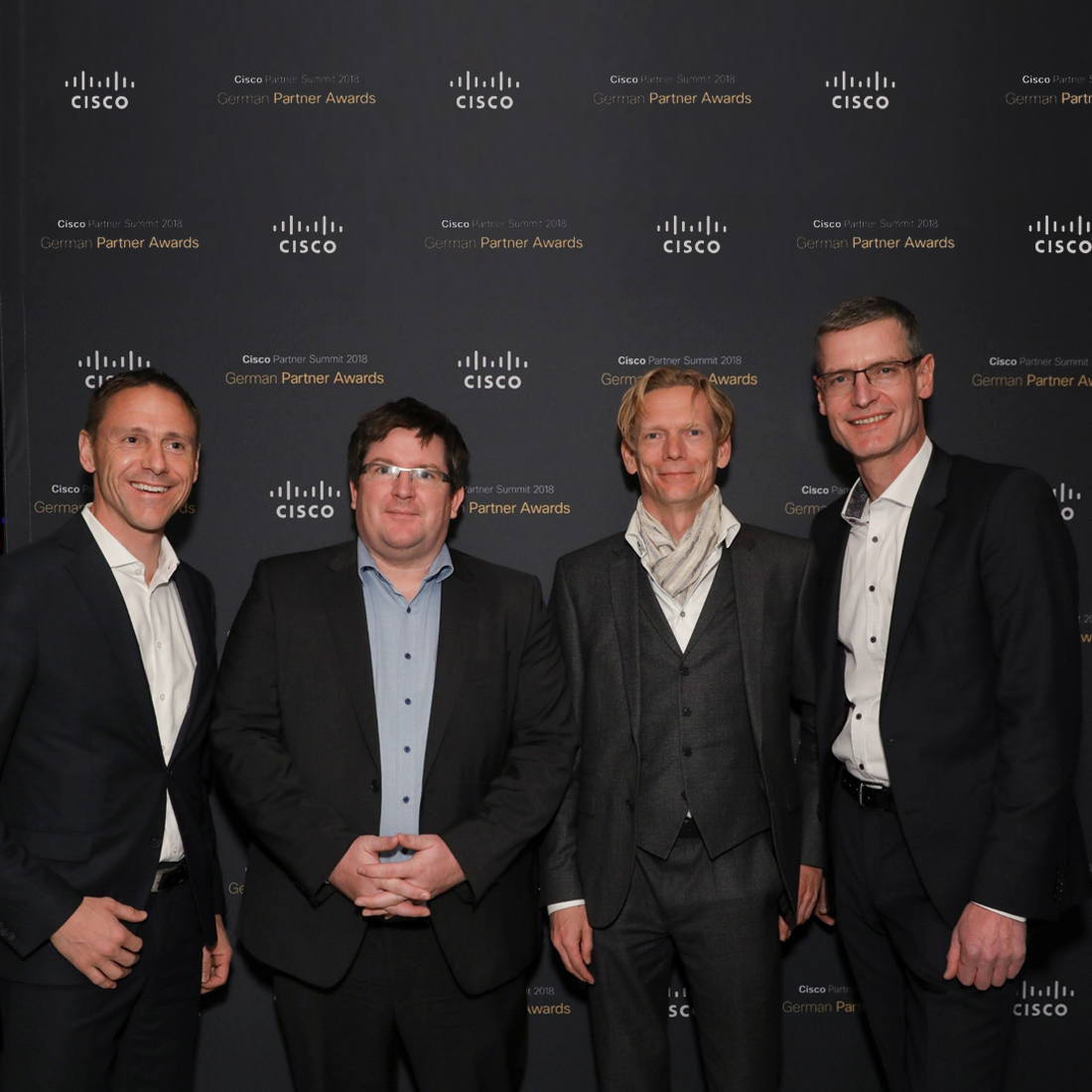 Armin Neumaier (Head of Regional Partner Sales Cisco), Marc Niederberghaus (Leiter Business Development Controlware GmbH), Bernd Schwefing (Geschäftsführer Controlware GmbH) und Kay Wintrich (Director Systems Engineering, Cisco) beim Cisco Partner Summit in Las Vegas.