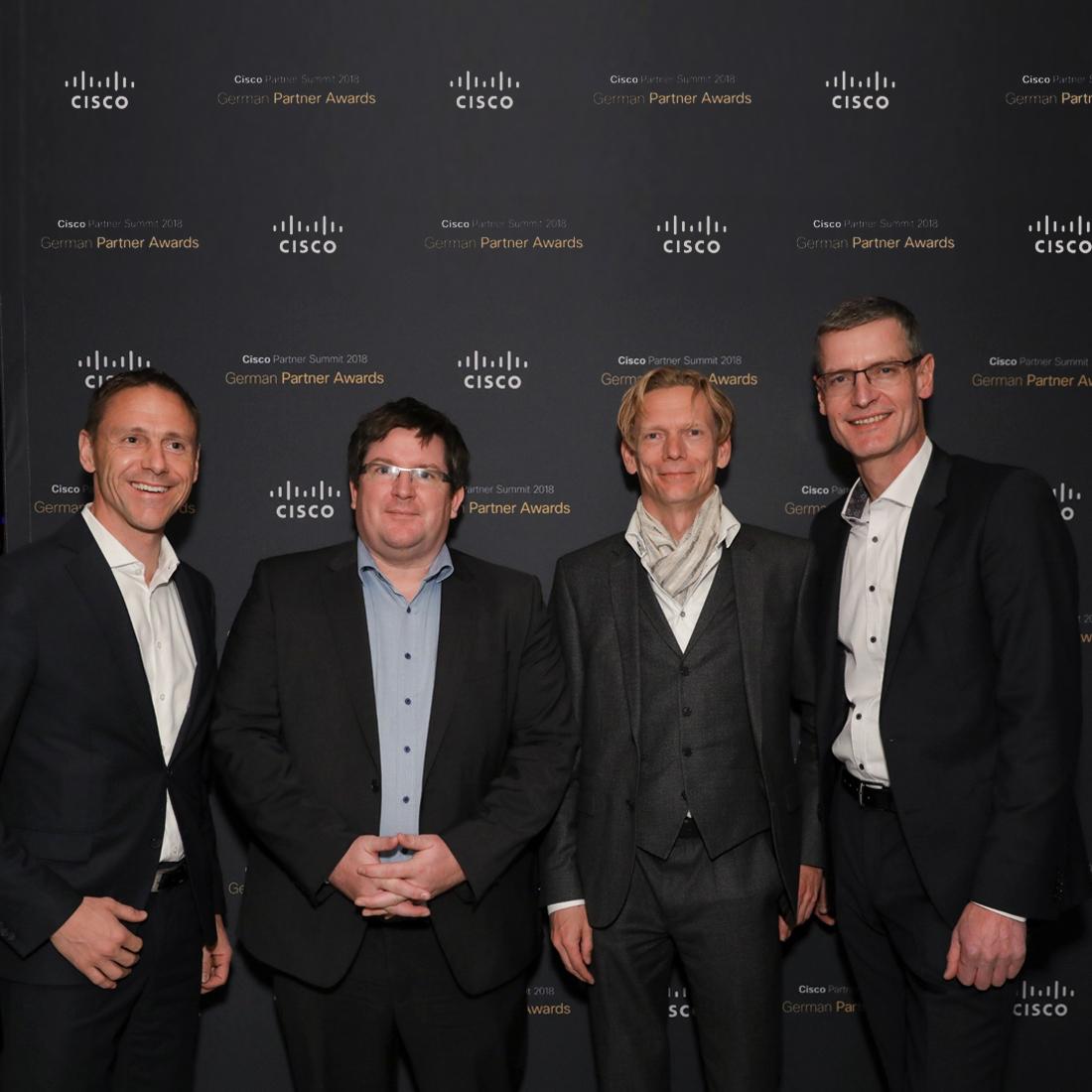 Armin Neumaier (Head of Regional Partner Sales Cisco), Marc Niederberghaus (Leiter Business Development Controlware GmbH), Bernd Schwefing (Geschäftsführer Controlware GmbH) und Kay Wintrich (Director Systems Engineering, Cisco) beim Cisco Partner Summit in Las Vegas.